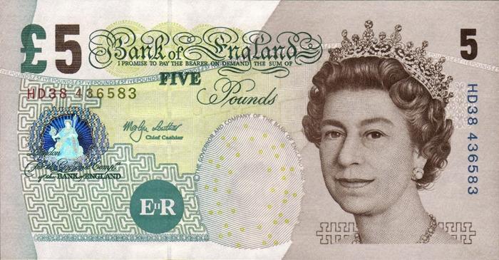 банкнота 5 фунтов с изображением Елизаветы-II