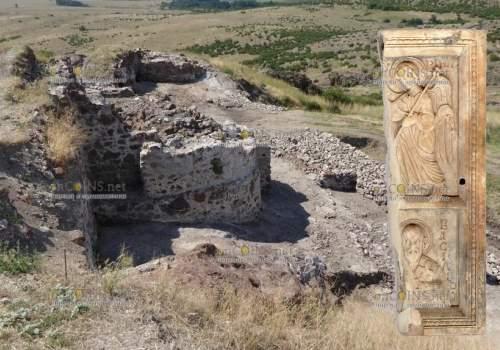 В Болгарии на раскопках в крепости Русокастро была обнаружен фрагмент двусторонней иконы из слоновой кости