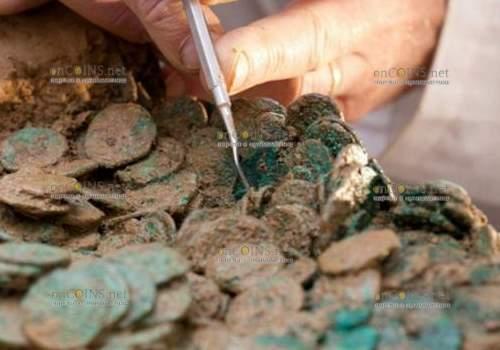 нашли клад медных монет