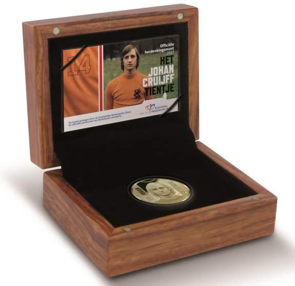 10 евро Йохан Кройфф, 2017 - подарочная упаковка