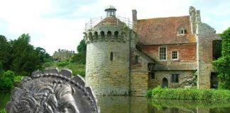 В замке Scotney в Англии найден уникальный клад монет