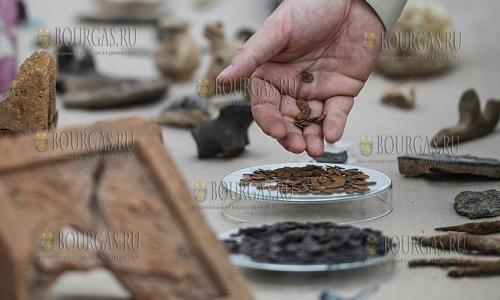 Клад монет в Азербайджане сдали в пункт приема металлолома