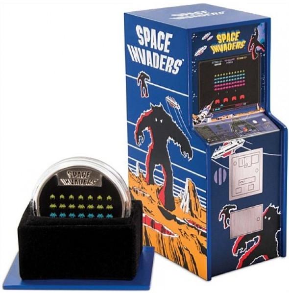 Остров-государство Ниуэ монета 2 доллара Space Invaders, подарочная упаковка