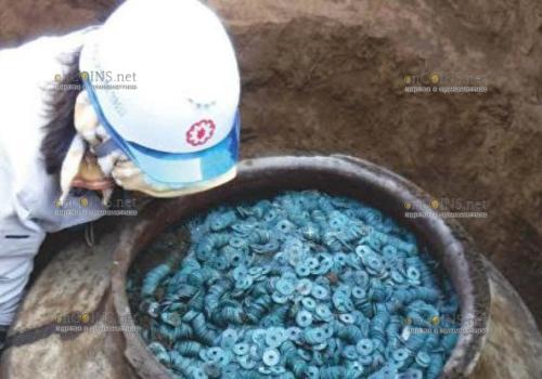 В Японии нашли клад, в котором находилось около 260 000 монет