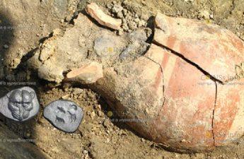 На Таманском полуострове нашли клад древнейших серебряных монет