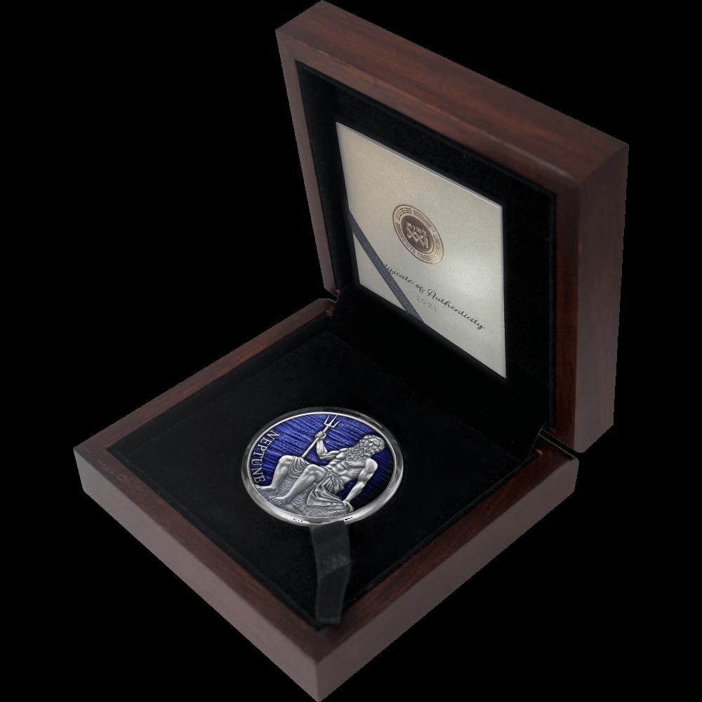 Камерун монета 3000 франков Нептун, подарочная упаковка