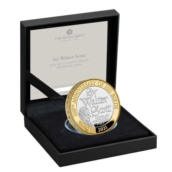 Британия серебряные монеты 2 фунта Вальтер Скотт, подарочная упаковка