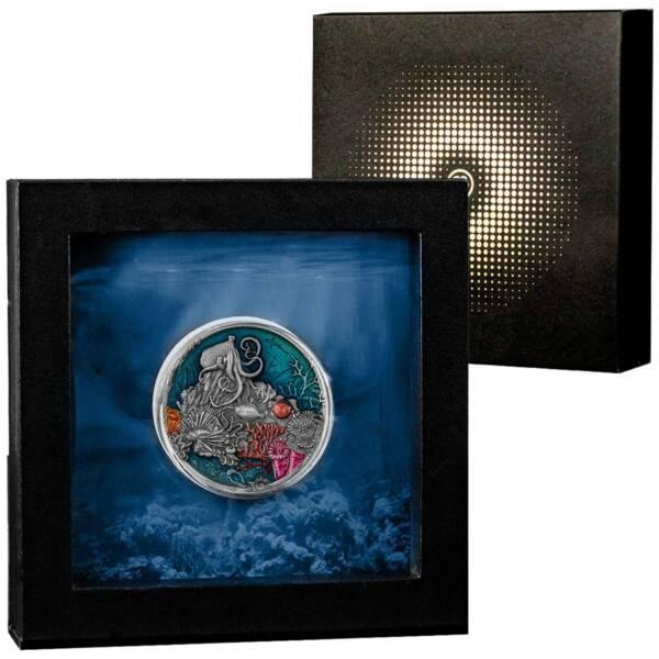 Ниуэ монета 5 долларов Большой Барьерный риф, подарочная упаковка