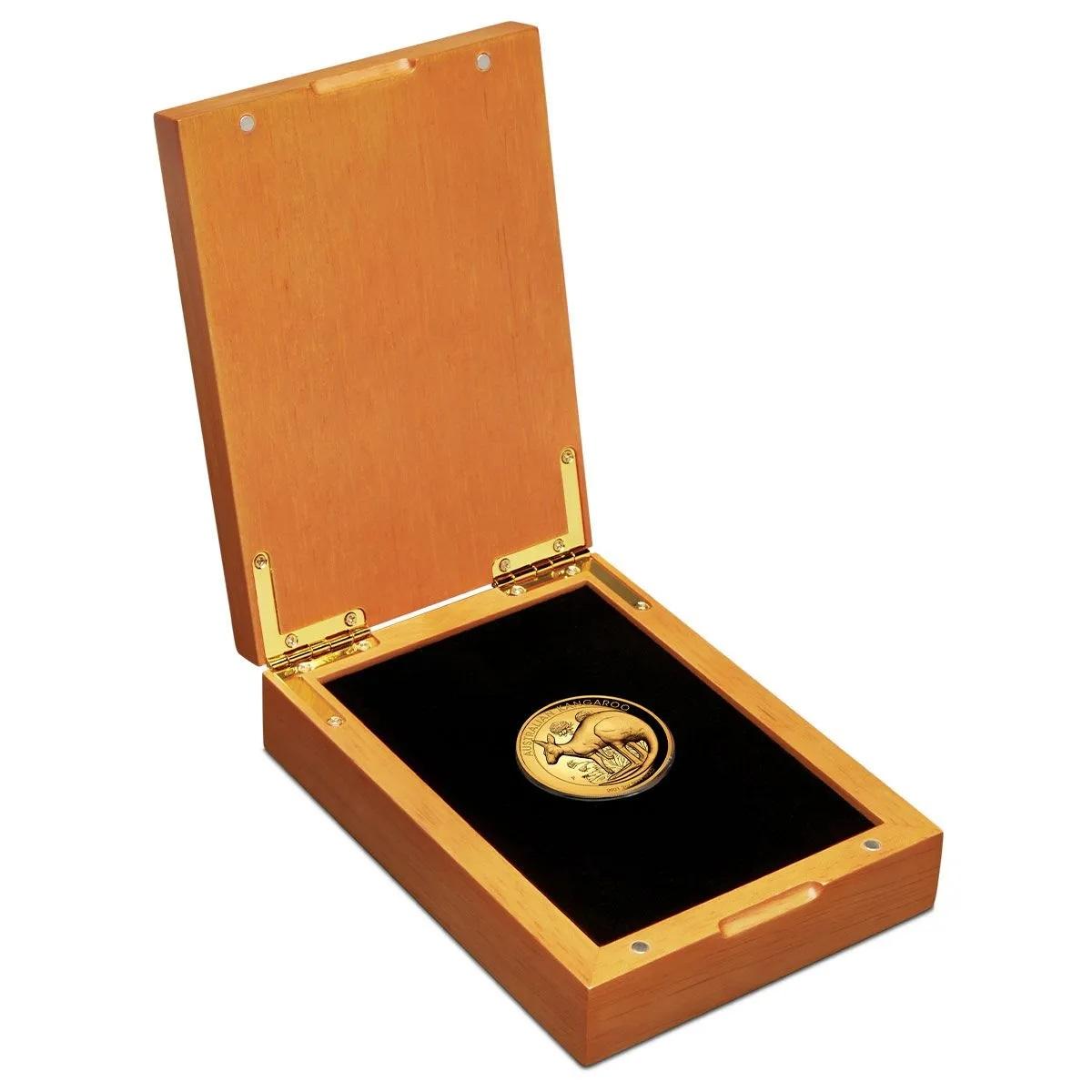Австралия монета 200 долларов Австралийский Кенгуру, подарочная упаковка